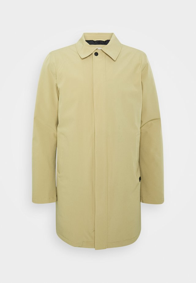 TECHNICAL - Short coat - sand