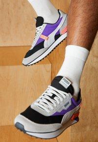 Puma - FUTURE RIDER GALAXY  - Trainers - black/ultra violet - 2