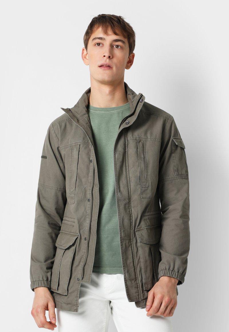 Scalpers - Leichte Jacke - khaki