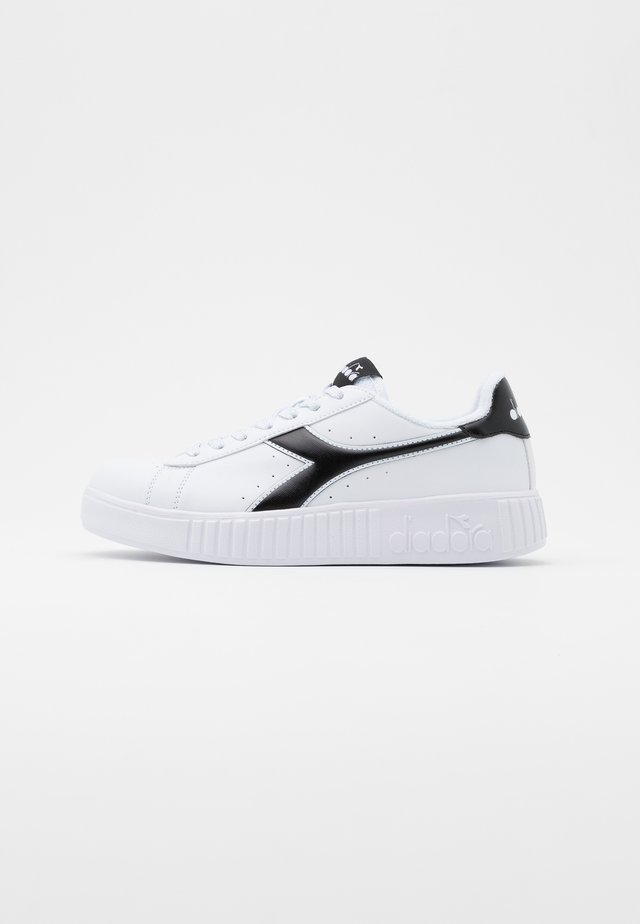 GAME STEP - Sneakersy niskie - white/black