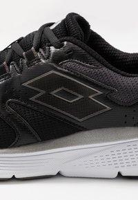 Lotto - SPEEDRIDE 600 VI - Chaussures de running neutres - all black/gravity titan/light asphalt - 5