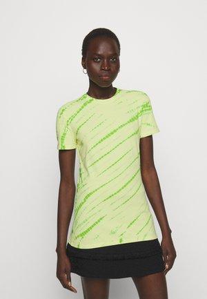 TIE DYE STRETCH - T-shirt imprimé - olive green/pale yellow
