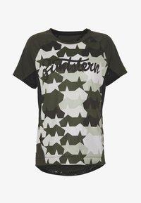 Zimtstern - TECHZONEZ - T-Shirt print - fog green/forest night/jester red - 3