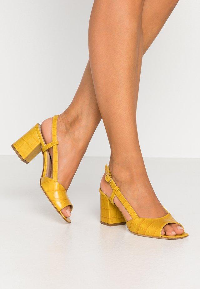 Sandály - kenia giano