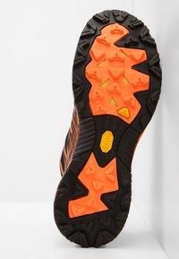 Scarpa - NEUTRON 2 - Trail running shoes - black/orange - 4