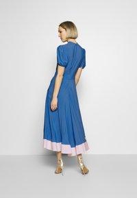 N°21 - Denní šaty - cielo - 2