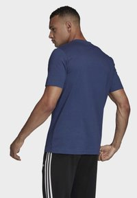 adidas Performance - ESSENTIALS LINEAR LOGO T-SHIRT - T-shirts med print - blue - 1