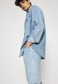 Mustang - WASHINGTON - Denim shorts - denim blue - 3