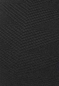 Seafolly - SEASIDE SOIREE V NECK CROP - Horní díl bikin - black - 5