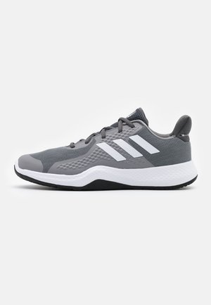 FITBOUNCE VERSATILITY BOUNCE TRAINING SHOES - Zapatillas de entrenamiento - grey three/footwear white/core black