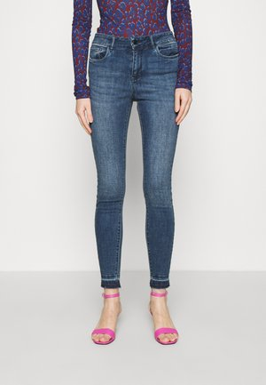 VMSEVEN ANKLE - Skinny džíny - dark blue denim