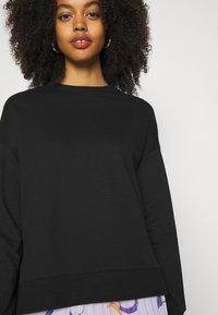 Zign - Slit Sides Oversized Sweatshirt - Sweatshirt - black - 7