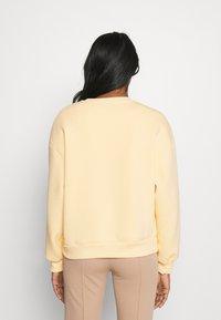 Gina Tricot - RILEY  - Sweatshirts - golden - 2
