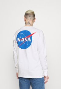 Cotton On - TBAR COLLABORATION TEE - Long sleeved top - white - 2