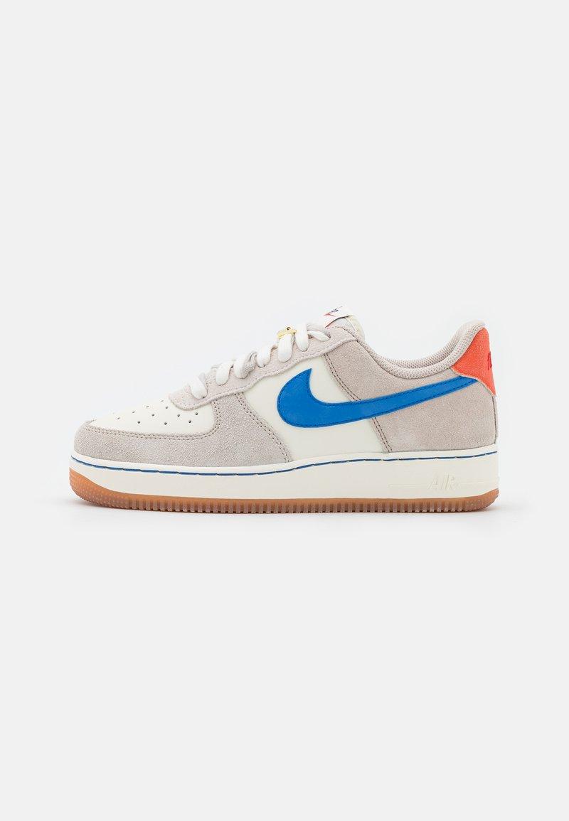 Nike Sportswear - AIR FORCE 1 - Sneakers basse - sail/green noise/cream/light bone/summit white/orange