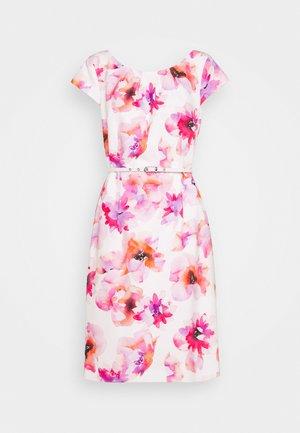 KURZ - Denní šaty - white