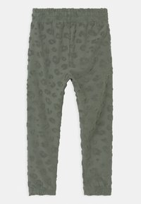 Cotton On - KEIRA - Tracksuit bottoms - swag green - 1