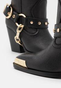 Versace Jeans Couture - Botas camperas - nero - 4