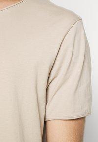 Weekday - DARK - T-shirt - bas - beige - 5