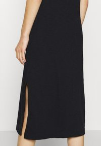 GAP - CREW MIDI DRESS - Jersey dress - true black - 5