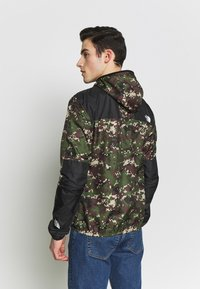 The North Face - SEASONAL MOUNTAIN  - Windbreaker - olive - 2