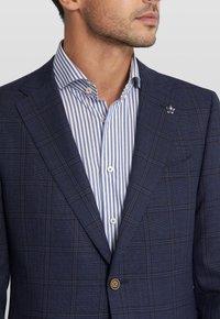 Van Gils - ELLISON SPLIT - Suit jacket - dark blue - 4