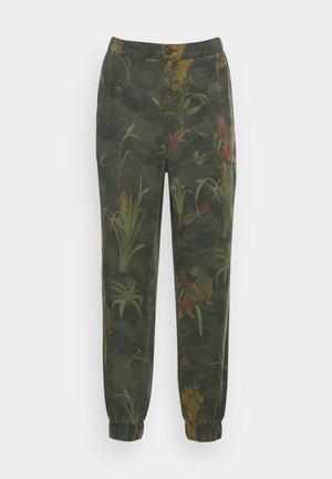 PANT CAMOTIGER - Kalhoty - green
