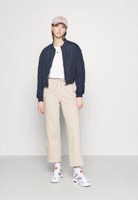 Nike Sportswear - TEE - Topper langermet - white - 1