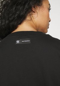 adidas Originals - TEE DRESS - Vestido ligero - black - 5