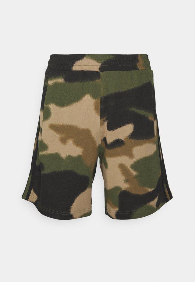 CAMO UNISEX - Shorts - wild pine/multicolor/black