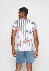 Brave Soul - CATTLEYA - T-shirt print - optic white - 2