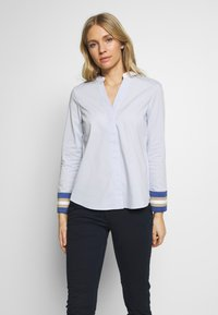 Cortefiel - POPLIN WITH CONTRAST COLLAR AND CUFFS - Blusa - light blue - 0