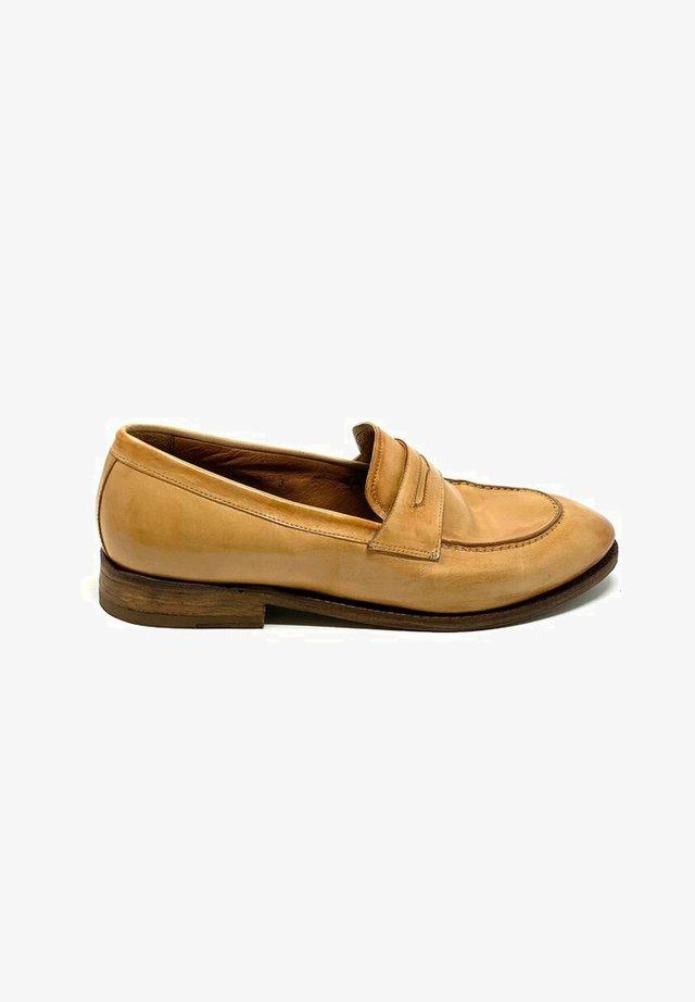 Slip-ons - light brown