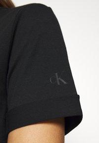 Calvin Klein Jeans - NEW YORK PRINT TEE - T-shirt z nadrukiem - black - 5