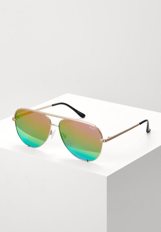 HIGH KEY - Sluneční brýle - gold-coloured/rainbow