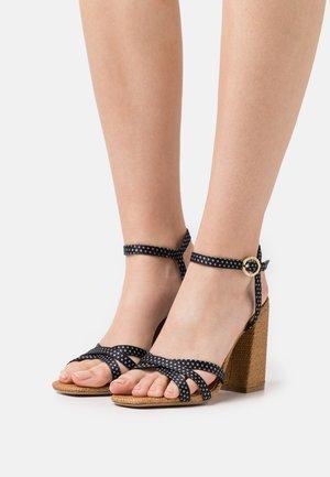 KASIRA - Sandales - black