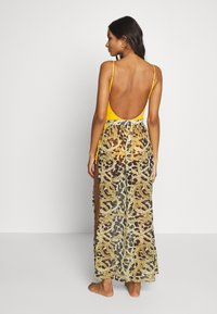 Wolf & Whistle - TIGER AND CHAIN ANIMAL BEACH SKIRT - Complementos de playa - brown - 3