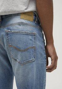 PULL&BEAR - Slim fit jeans - royal blue - 4