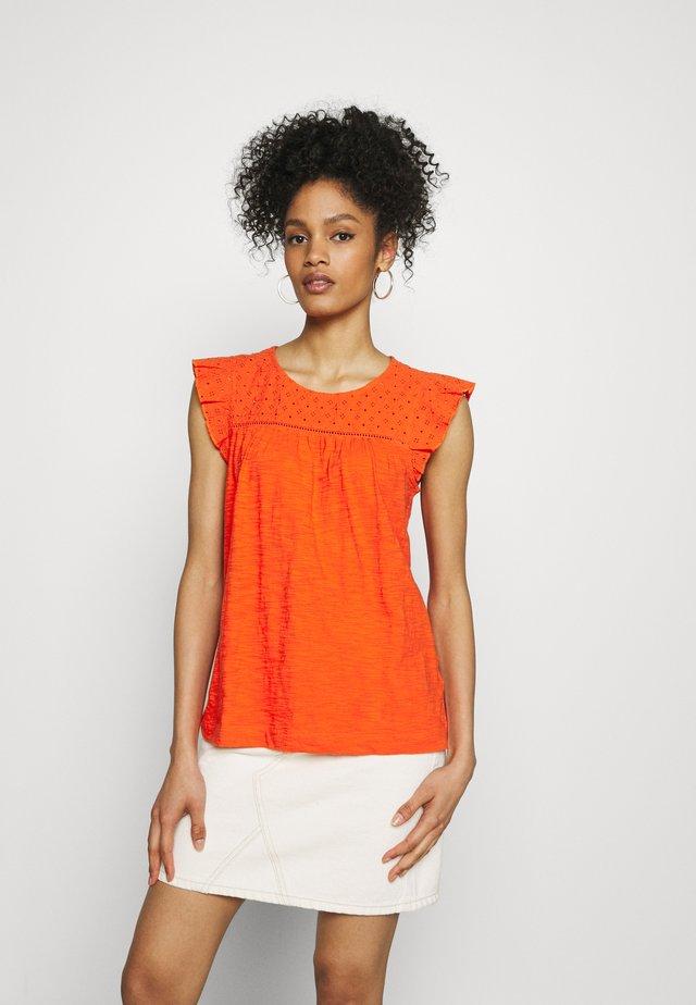 MIX - Camiseta estampada - orange red
