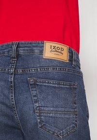 IZOD - SLIM - Straight leg jeans - stone blue denim - 5
