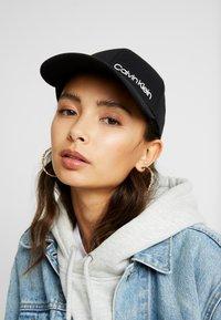 Calvin Klein - SIDE LOGO BASEBALL - Casquette - black - 1