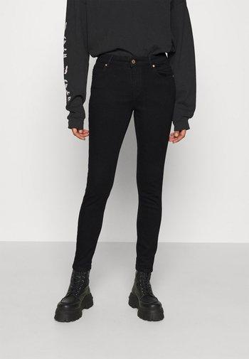 ONLANTA LIFE PUSHUP - Jeans Skinny Fit - black
