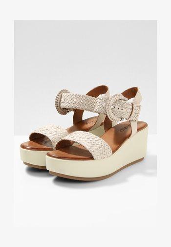 Sandaler m/ kilehæl - bone bne