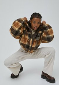 PULL&BEAR - Fleece jacket - dark brown - 4