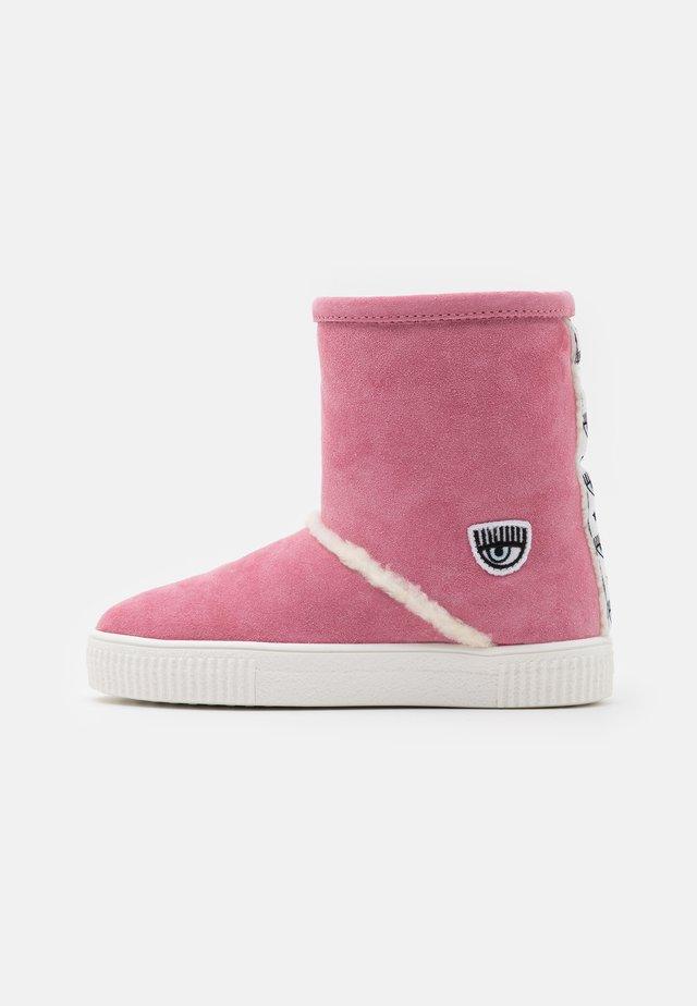 Kotníkové boty - rosa