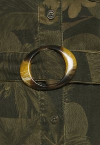 Desigual - VEST MONTSE - Robe d'été - verde militar - 6