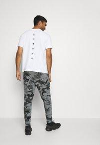 Nike Performance - Pantaloni sportivi - black/grey fog - 2