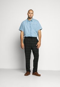 Only & Sons - ONSLINUS LONG CHECK - Pantalones - black - 1