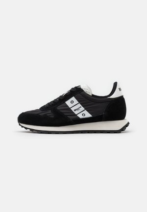 MERRILL - Trainers - black