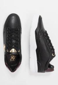 SIKSILK - D-RING PURSUIT - Sneakers basse - black/burgundy - 1